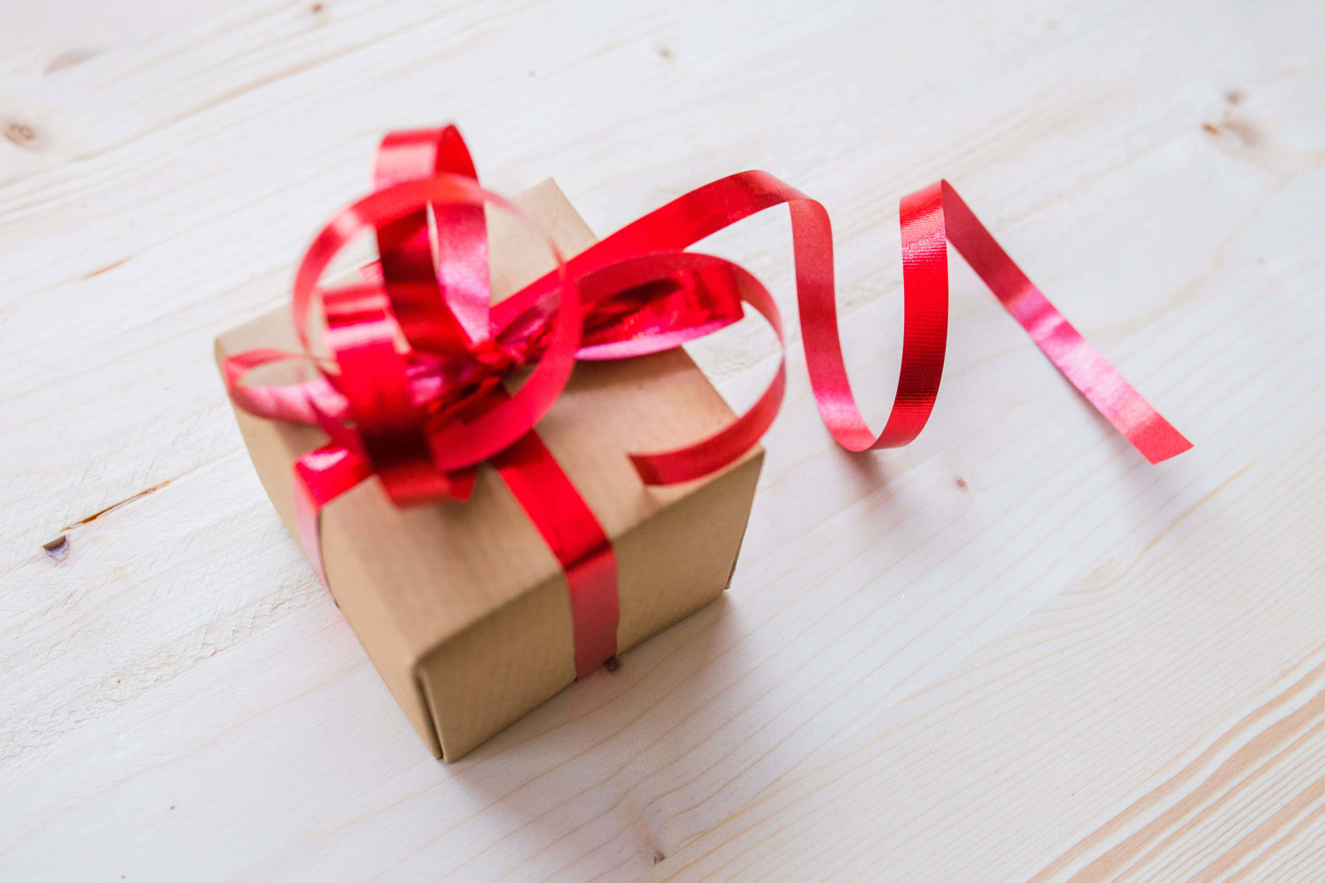 The Top 12 Useful Travel Gifts For Women She Ll Love Them